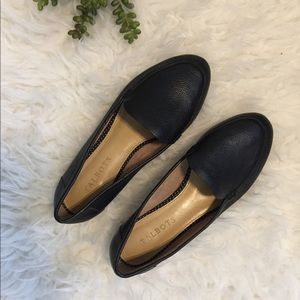 Talbots black leather Ryan loafers flats